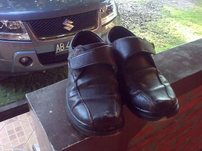 Sepatu Bata Coklat