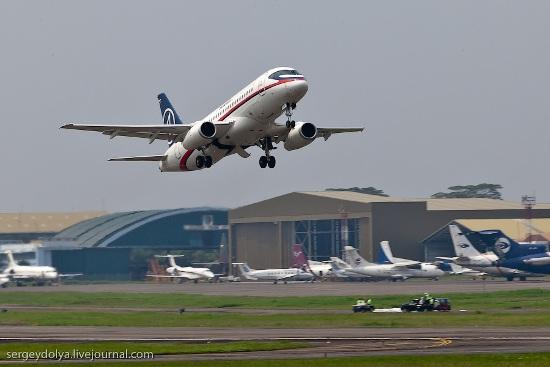 Sukhoi-Superjet-100-Halim-Perdanakusuma
